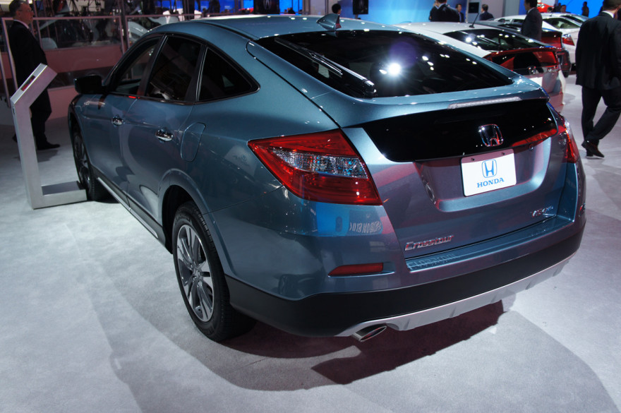 Honda-Crosstour-2